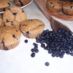 Otrębowe muffinki z jagodami