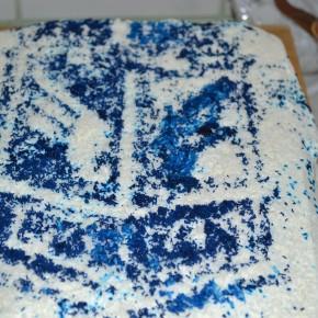Tort niebiesko biały