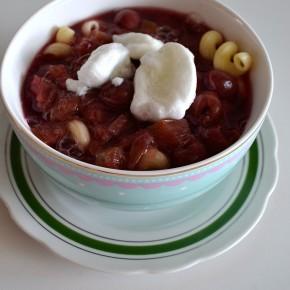 Zupa owocowa z rabarbarem